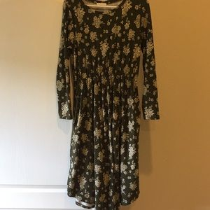 Reborn J long sleeved green floral midi dress L